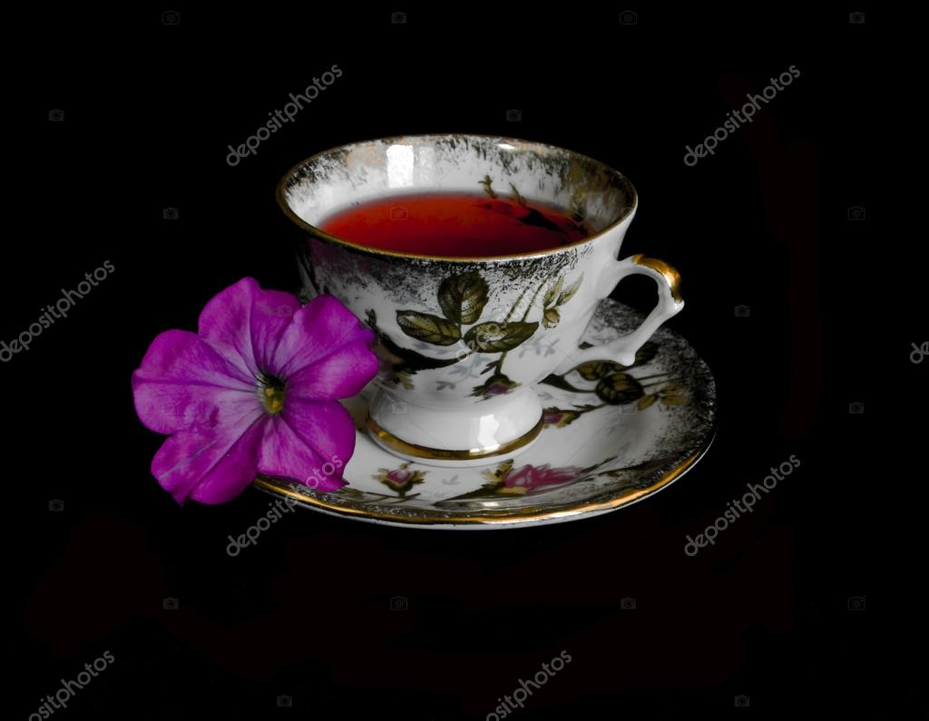 depositphotos_3689029-stock-photo-tea-cup-with-mint-leaf