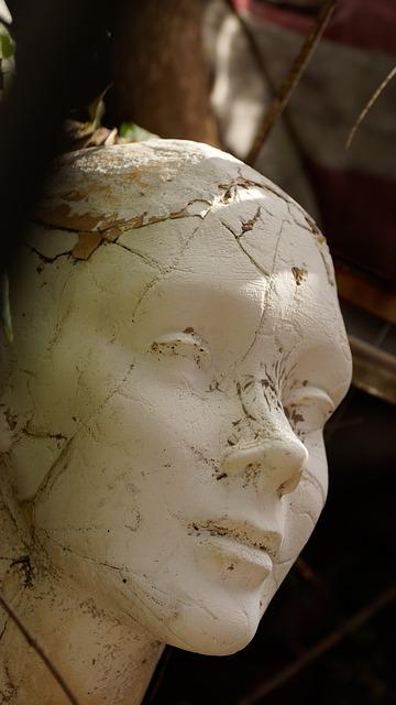 mannequin-1392152_640